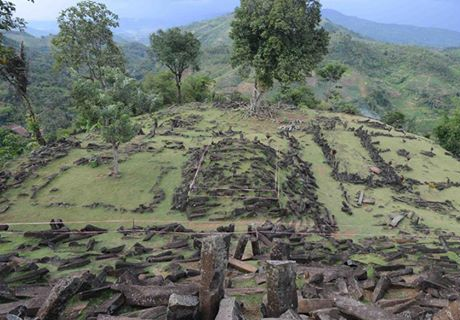 Ancient Electric Device Found in Ruins of Golden Temple in Indonesia