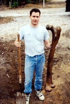 Smithsonian Admits to Destruction of Thousands of Giant Human Skeletons in Early 1900′s Femur