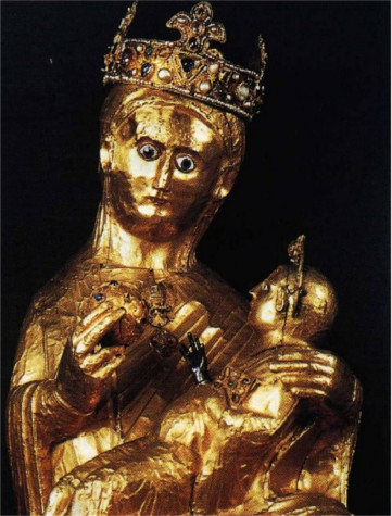 This amazing statue of the Virgin Mary holding baby Jesus, weights an incredible 84.7 kilograms of solid gold, meaning it's shear metal value is more than 1,450,000$.