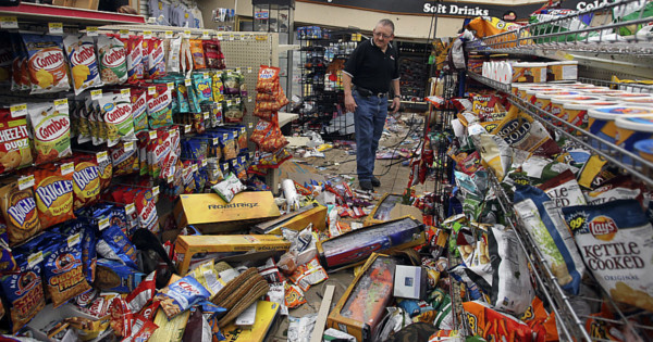 This morning, the aisles of the supermarket were so full of supermarket looked like it had been hit by a tornado